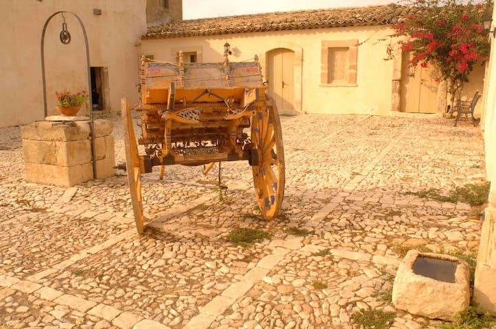La casa del Massaro Turi in Antica Villa + Piscina - Roccazzo - Appartement