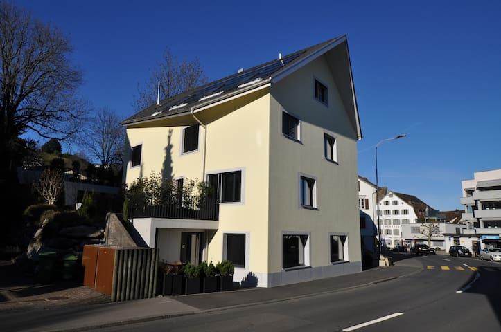 Deluxe 2.5-Zimmer Apartment zentral - Wollerau
