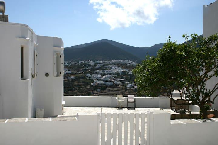 Traditional Cycladic Residence - Artemonas - Huis