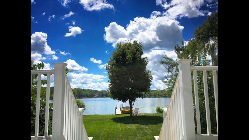 Peninsula Lake Retreat - Howell - Hus