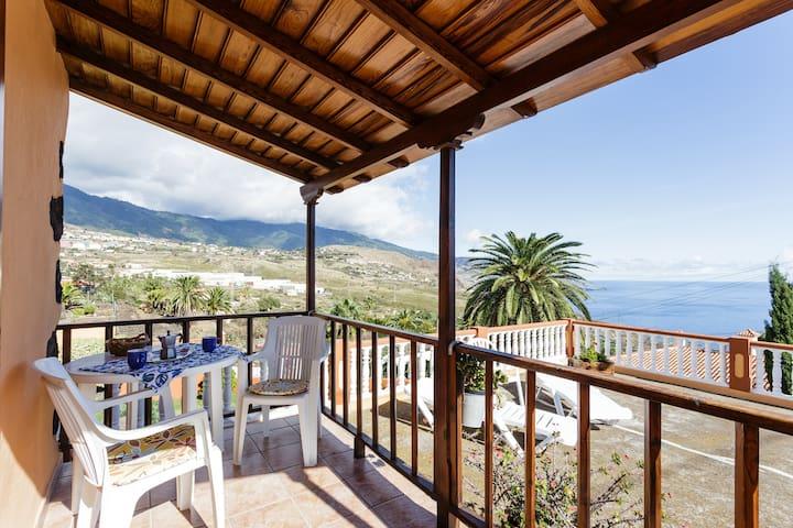 Villa Cruz 1 / Beautiful views and peace - Breña Alta