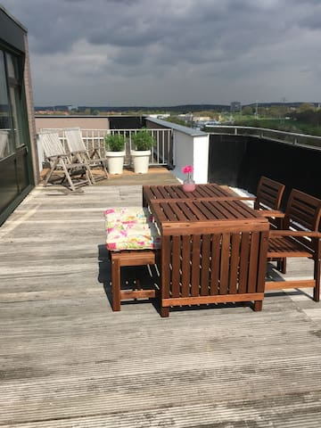 Penthouse 12e floor with large terrace - Heerlen - Leilighet