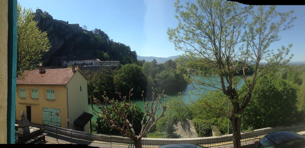petit duplex à Sisteron - Sisteron - Řadový dům