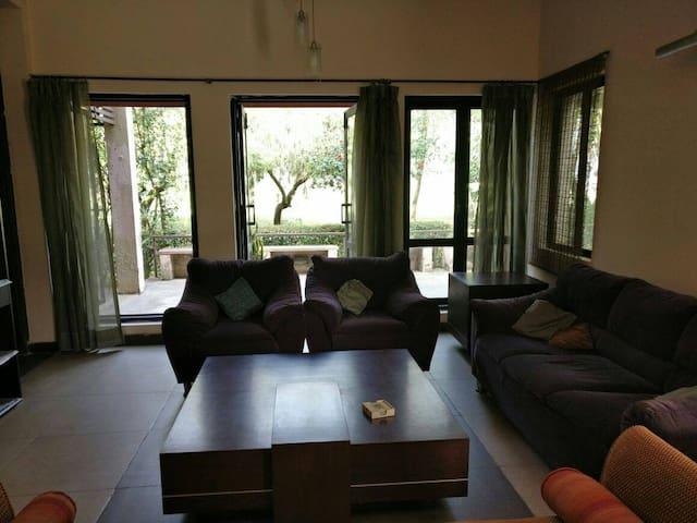 Luxury Resort Villa - Gurugram - Vila