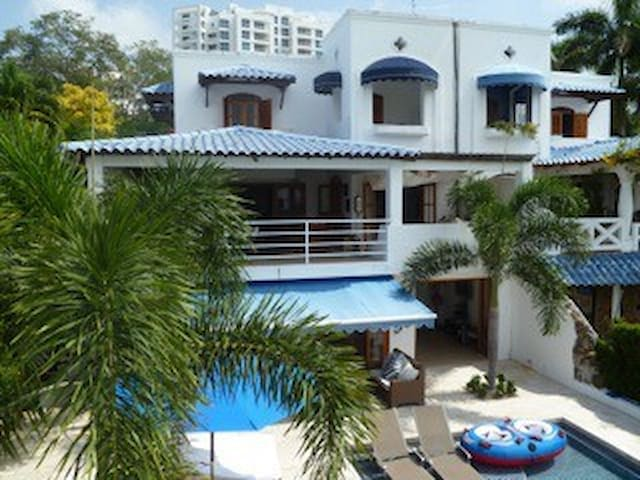 Large and Beautiful Ocean Front House with pool - Rio Hato - Hus