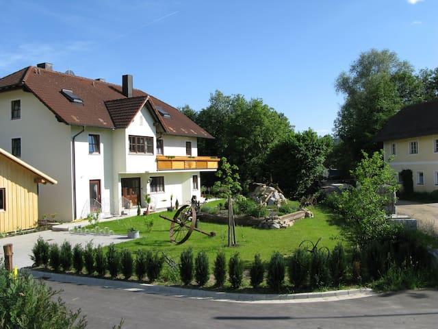 Ferienhaus Schlehmühle Ergeschoßwohnung - Rötz - Konukevi
