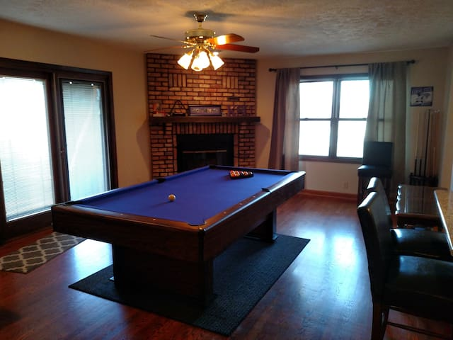 Whole house! A short drive to Omaha's best spots! - Bellevue - Casa