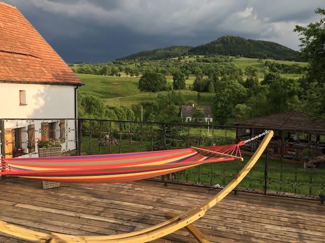 Cozy double room in farm house - Mieroszow - Bed & Breakfast