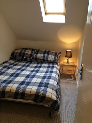 Small Double 3 Miles from Airport - Timperley - Bed & Breakfast