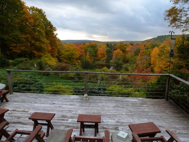 Torrington Private Suite with views - New Hartford