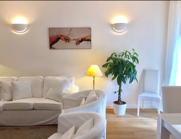 Elegante,luminoso e accogliente - Pavia - Appartement
