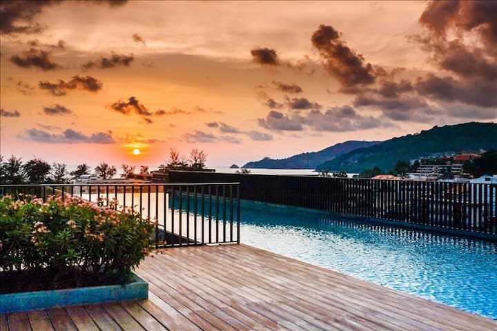 Luxury Patong Beach 44 sqm Apartment for 2 with Pool & Gym! - Patong - Lejlighed