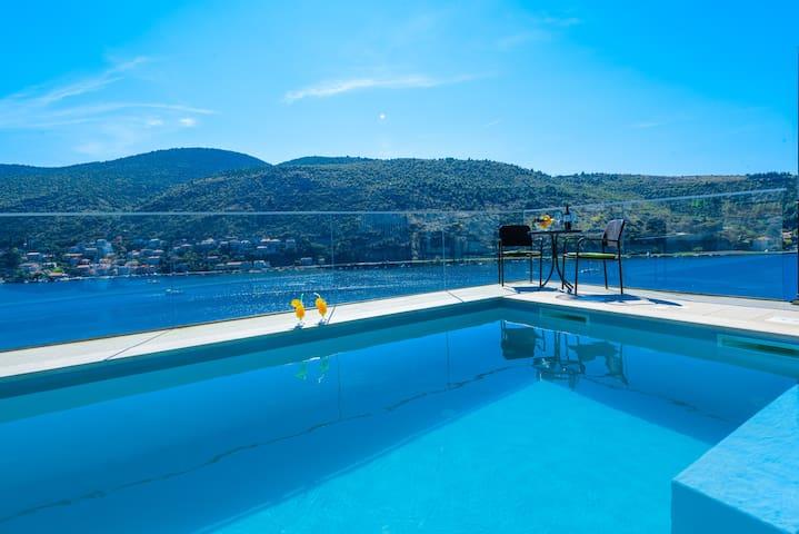 Sea view apartment with pool - Mokošica - Daire