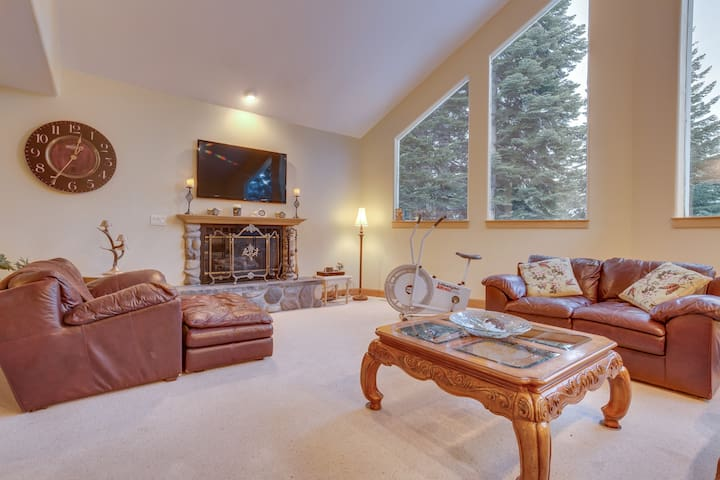 Comfortable Bed and Bath with Sunny Deck - Carnelian Bay - Bed & Breakfast
