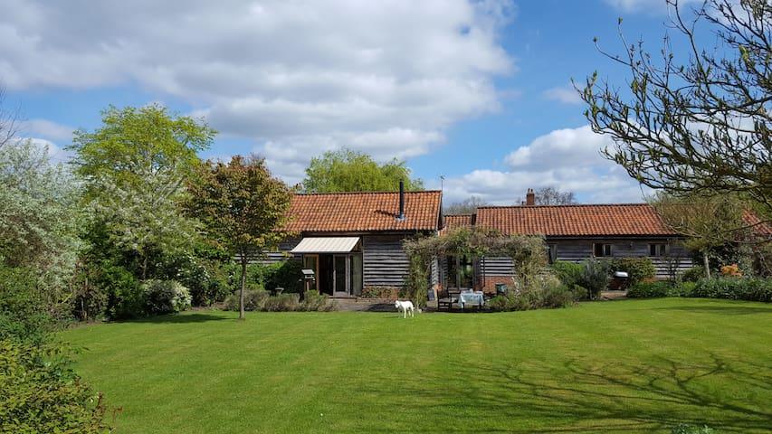 Beautiful Suffolk barn conversion. - Thelnetham  - Huis