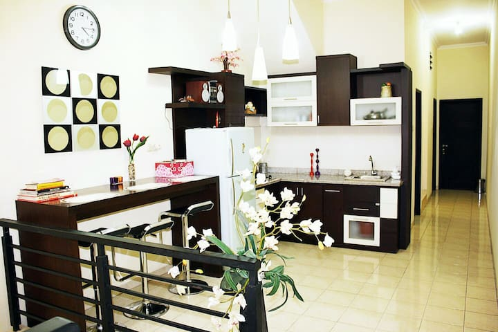 Spacious Downtown-0,9km to Tunjungan Plaza/TP - Surabaya - Hus
