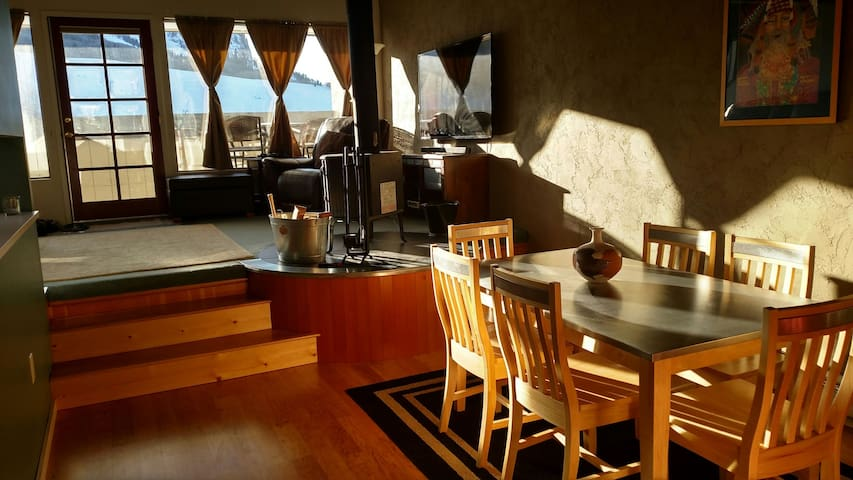 Lofty, Cozy Condo. 2 min to lifts! - Mt. Crested Butte - Квартира