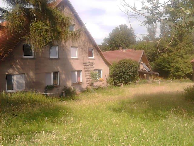 Einfaches Leben auf Selbstversorgerhof - Bissendorf - Hus