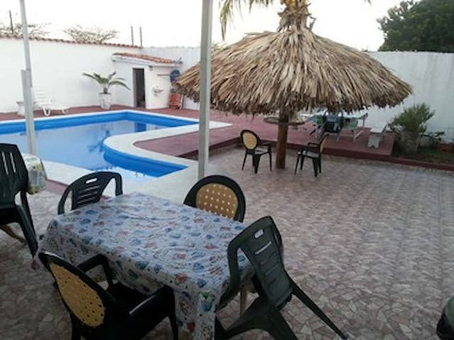 Posada Isla Bonita - Pampatar - 家庭式旅館