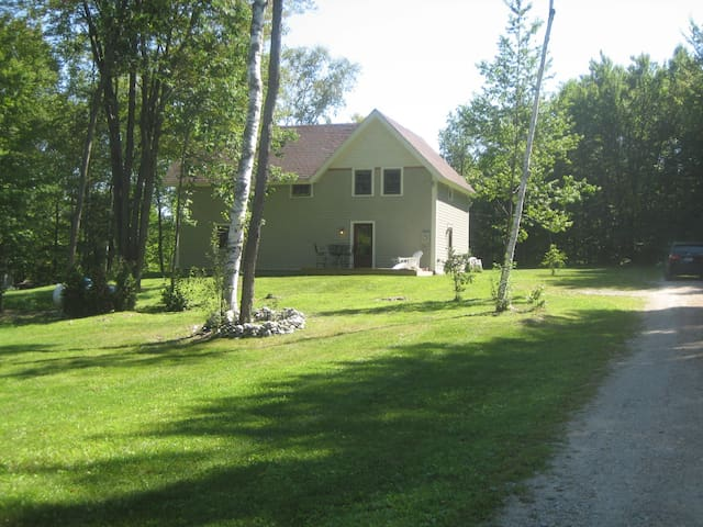 Rustic Private Cottage in Green Mountains of VT - Pownal