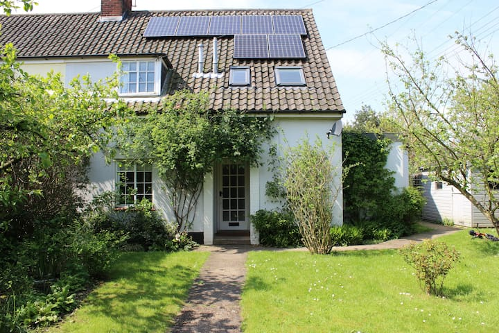Gorgeous family home with large garden - sleeps 6 - Blythburgh - Huis