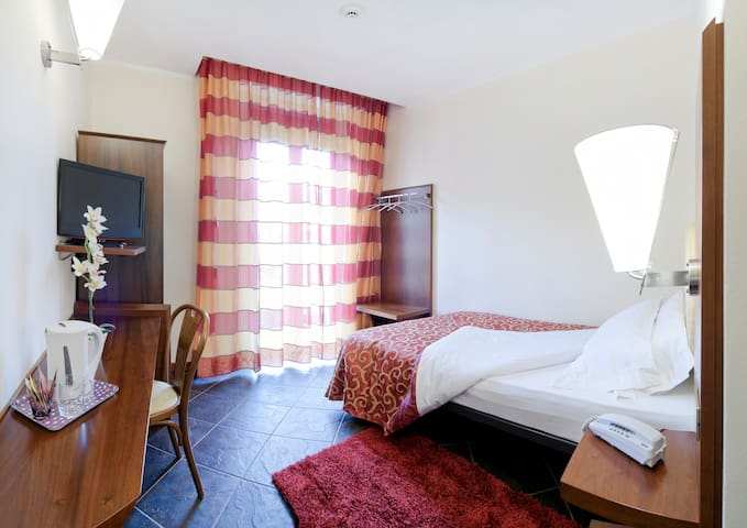 Single room - Legnano - Condominio