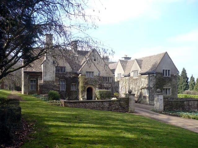 Stinchcombe Hill House B&B - Groups - Dursley - Bed & Breakfast