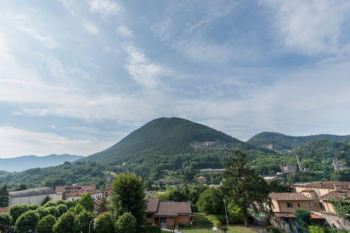 a breath taking great mountain view - Albino - Leilighet