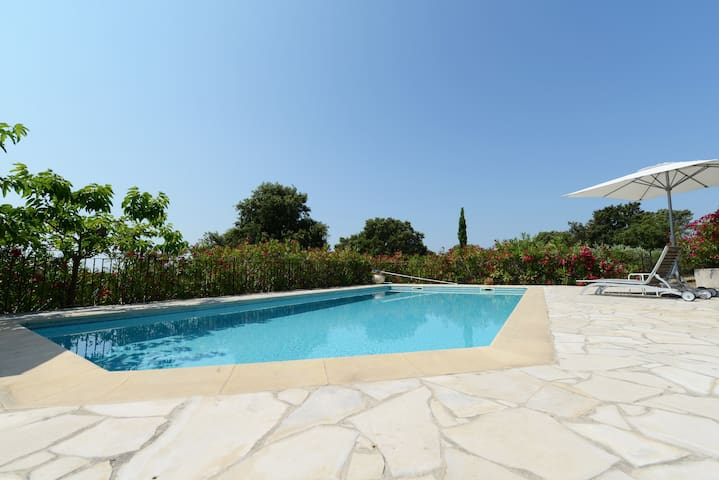 lovely apartment near Pont du Gard - Castillon-du-Gard - Lägenhet