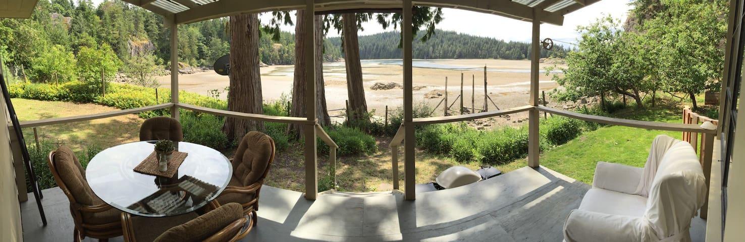 Mansons Lagoon Cottage on Cortes - Mansons Landing - Huis