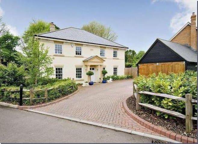Saracen House village home near Thruxton - Hampshire - Maison