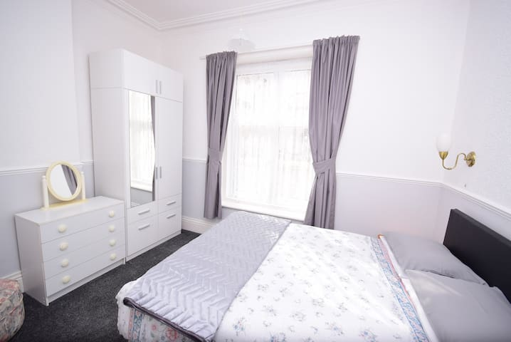 The Chymes  Select Holiday Apartments - Lytham Saint Annes - Huoneisto