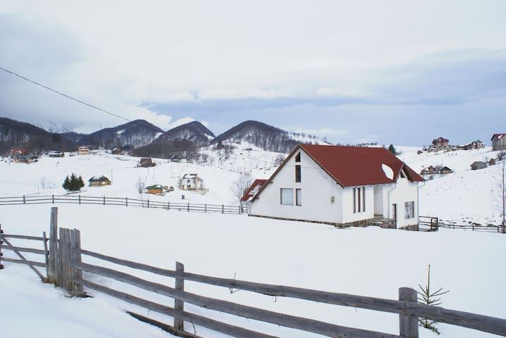 Perfect for exploring Transylvania - Ciocanu - Casa