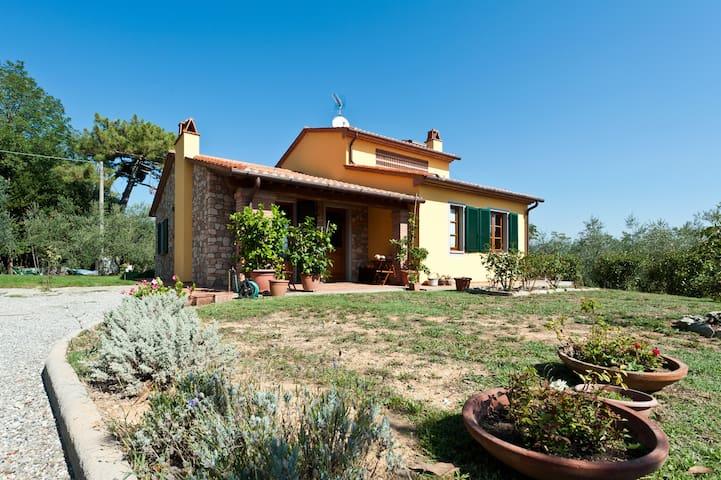 B&b The farm of Giustina - Montecarlo (LU) - Aamiaismajoitus
