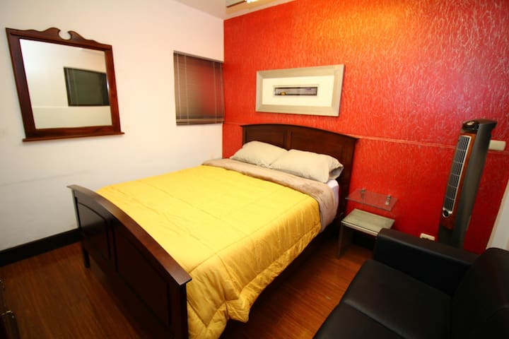 PASSION ROOM in a garden surrounded cozy apartment - San José - Bed & Breakfast