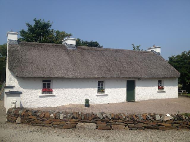 Beagh Cottage - Ardara - Srub
