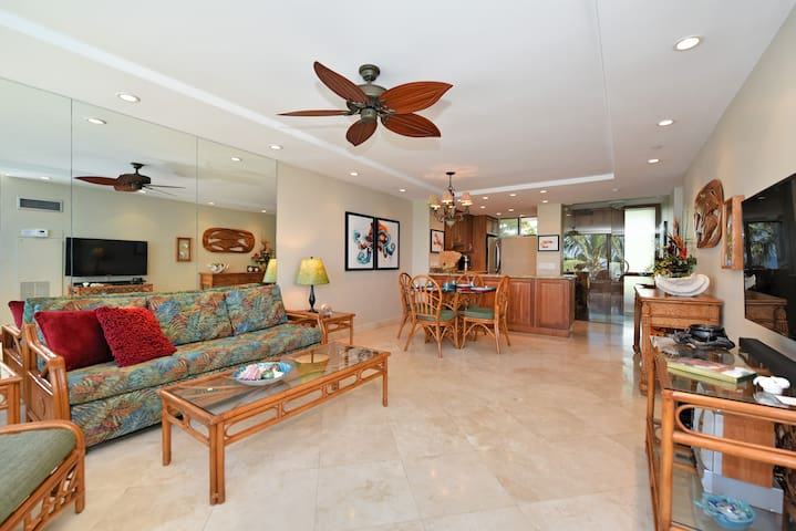 MAUI~ OCEAN FRONT WITH SPECTACULAR VIEWS - Kaanapali - Appartement en résidence