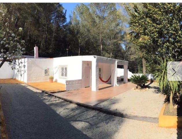 Magnifica casa con terreno a 5 minutos de Sitges - Sitges