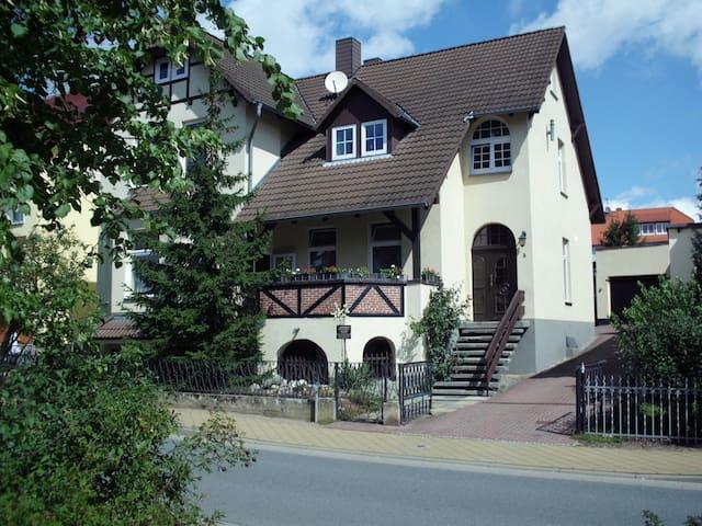 Abgeschlossene 2 Zimmer-Wohnung, 2 Betten (+) - Waren (Müritz) - Appartement