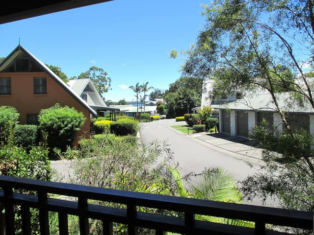 Waratah Resort Cottage at Raffetys - Cams Wharf - Casa