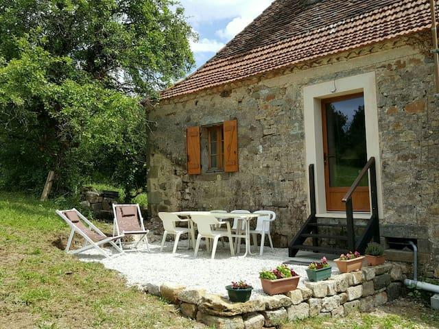 Charming house,  great view point! - Queyssac-les-Vignes - Casa