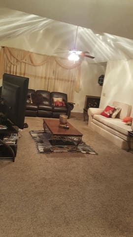 Charming, spacious, master bedroom - Duluth