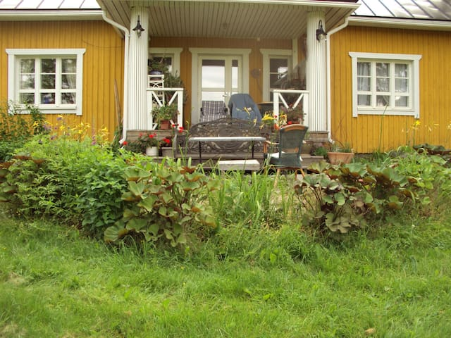 Real country house,15 minits to sport city Lahti. - Asikkala - Huis