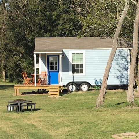 Holiday Acres Tiny House on Wheels - Manvel - Hus