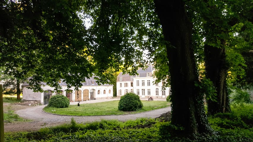Cottage on a Castle Estate, near Montreuil sur Mer - Humières
