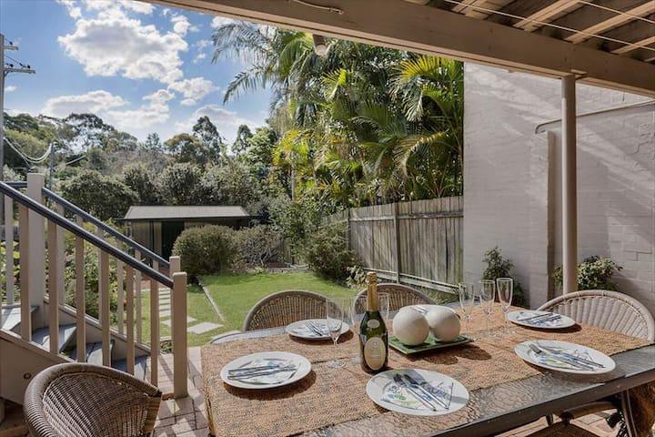 Spectacular House With Garden Deck and BBQ NAREM - Naremburn