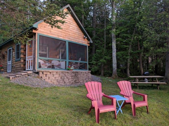 Cozy lakefront cabin on Snow Pond! - Oakland - Houten huisje