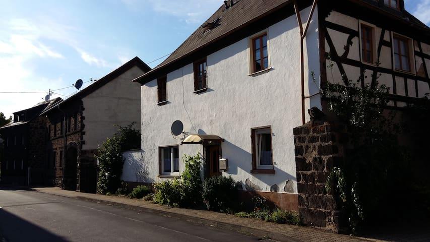 Ferienwohnung im alten Klostergut - Wassenach - Daire