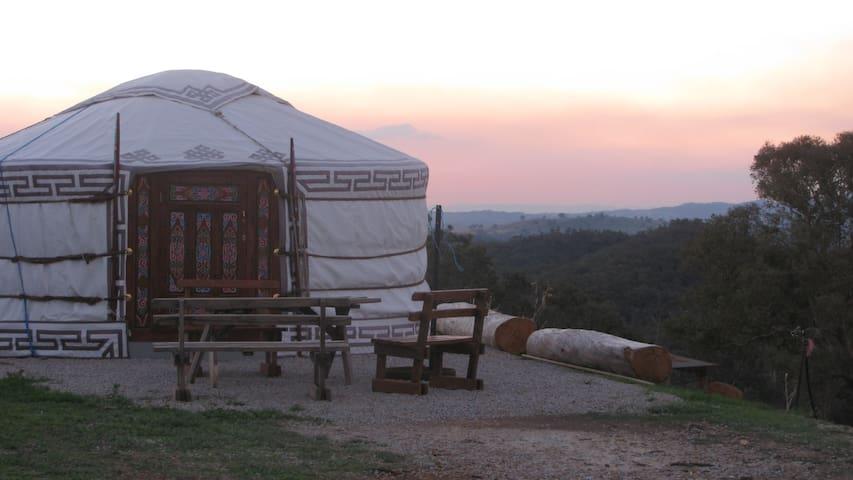 The Yurt Alpine Retreat King Valley - Myrrhee - Yurt
