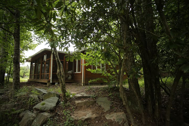 Beautiful & cozy forest surrounded Catskills home - Grahamsville - Дом